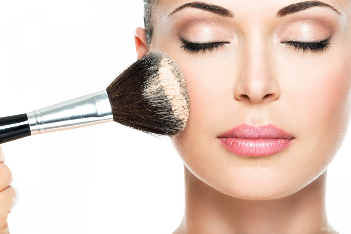 Как подобрать макияж и что нужно при этом учитывать?